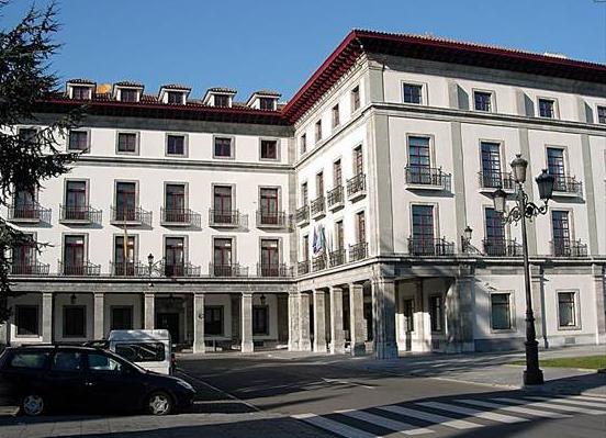 Iniciativa pol Asturianu denuncia la discriminación d'una ciudadana por utilizar l'asturianu nuna comunicación cola Conseyería d'Educación