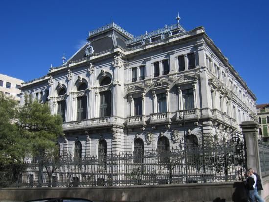Iniciativa pol Asturianu pide que l'asturianu tea presente na negociación presupuestaria pa que l'idioma recupere tarrén dempués d'una década de recortes