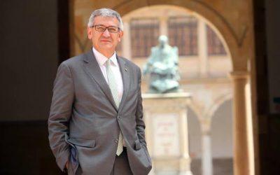 La noticia de que 'Santiago García Granda convirtióse nel primer Rector de la Universidá d'Uviéu n'echar una conferencia n'asturianu' elexida la meyor d'esti 2018 polos internautes